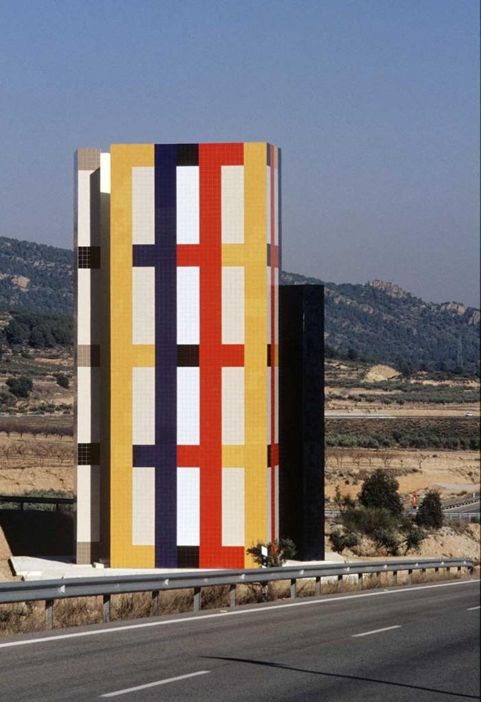 3_Outside_Enric Mestre_escultura